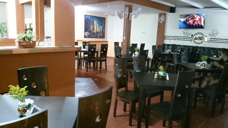 Restaurante De 10 Restaurante Bar