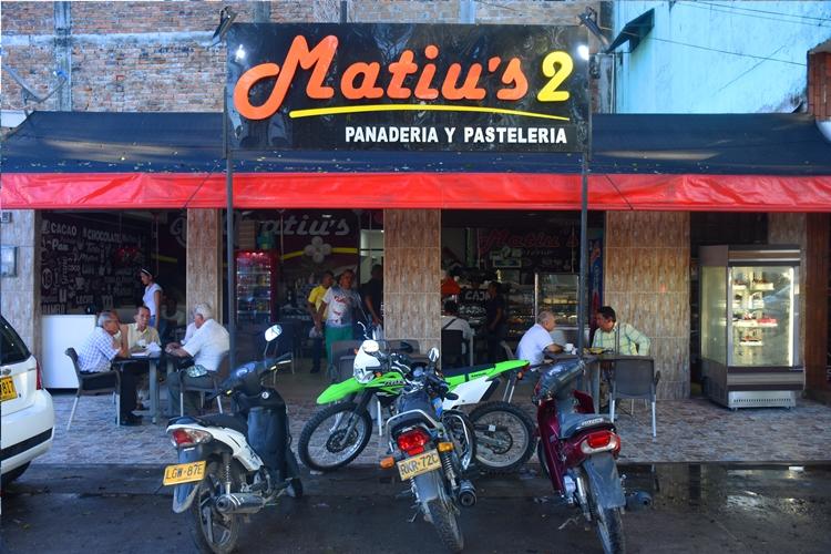 Matius 2 Panadería y Pastelería