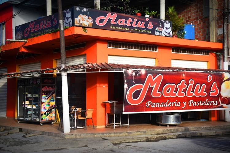 Matius Panadería y Pastelería